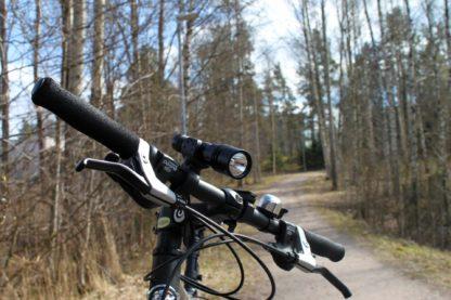 lampun pidike polkupyörään Xtar taskulamppu